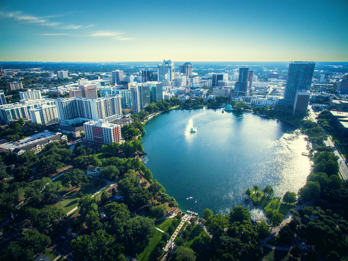 aerial photo of Lake Eola Park, Orlando Florida